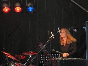 Julie singing and Vibes Bingen Swingt International Jazz Festival